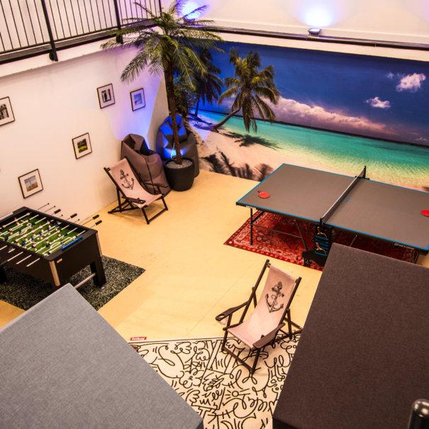 Sporty Beach Lounge